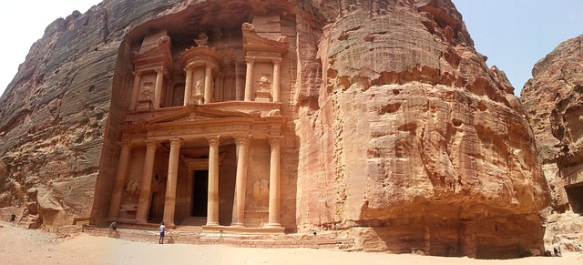 petra photo Seven Wonders of the World primeproductshub